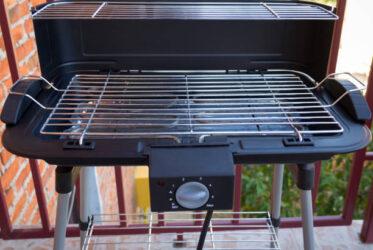 Elektrische barbecue voor op een balkon of bij de caravan