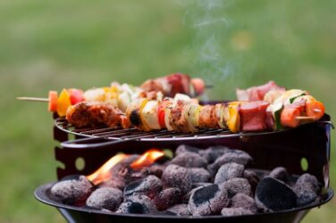 Barbecue met houtskool